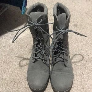 Gray combat boots only worn twice size 6!